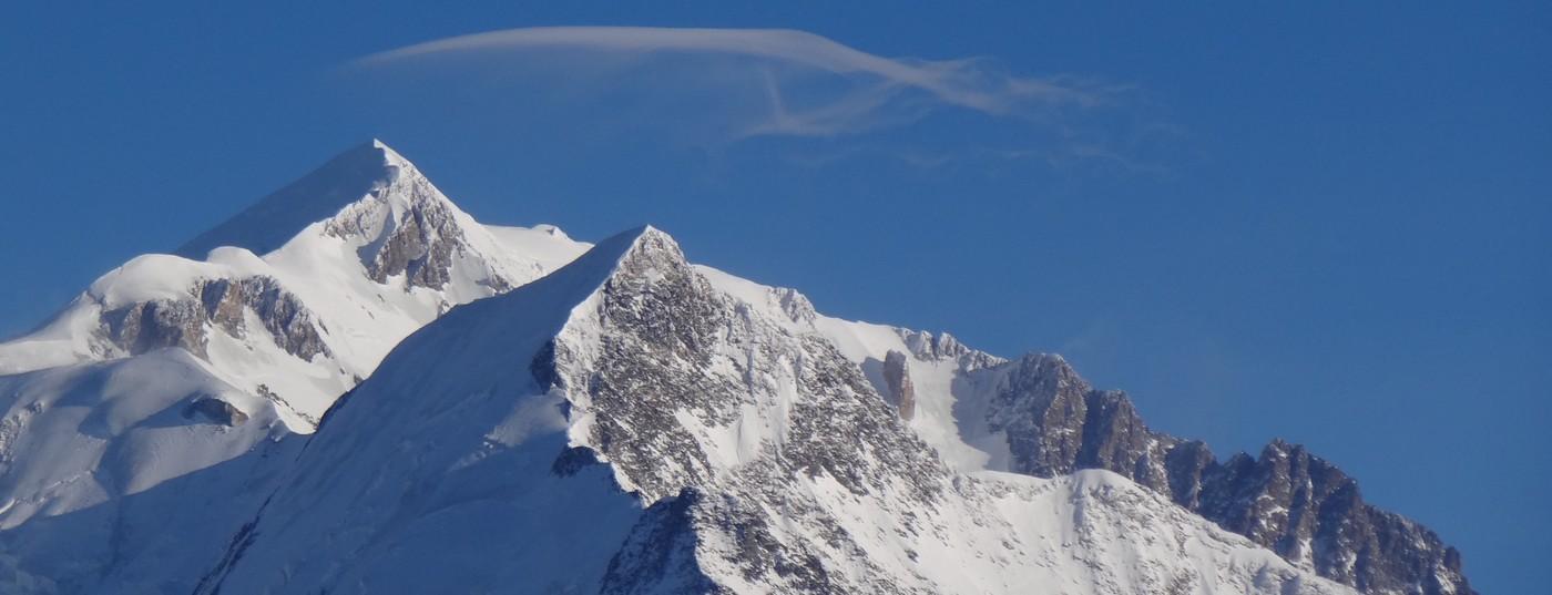 Un nuage perdu<strong> au sommet du Mont Blanc </strong>